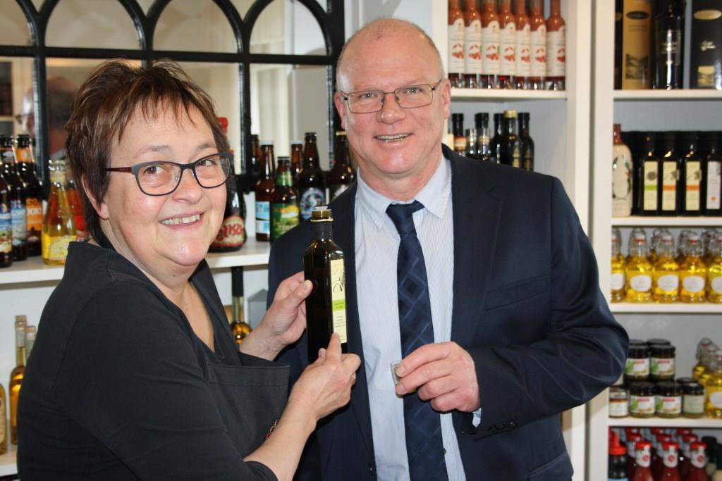Samtgemeindebürgermeister Johann Boelsen wird ausgiebig beraten