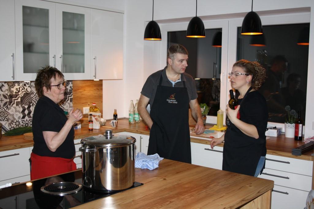 Viel zu besprechen in der Küche