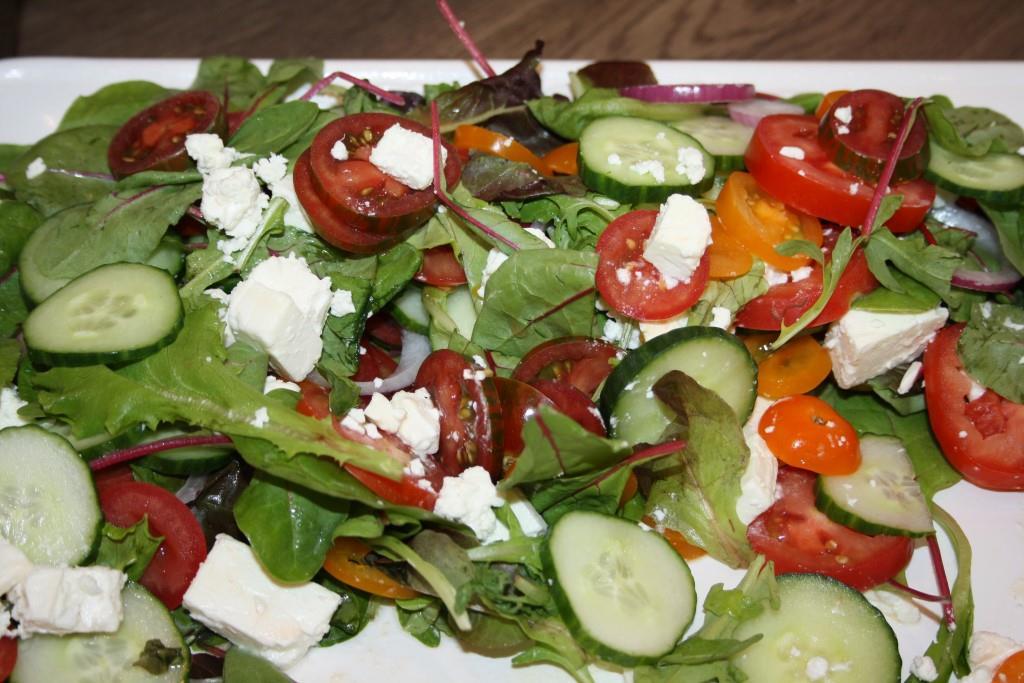 Salatplatte griechischer Art