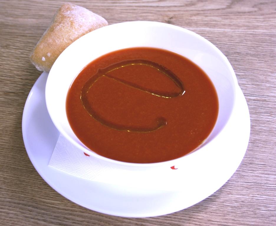 Kühle Sommersuppe aus Spanien: Gazpacho
