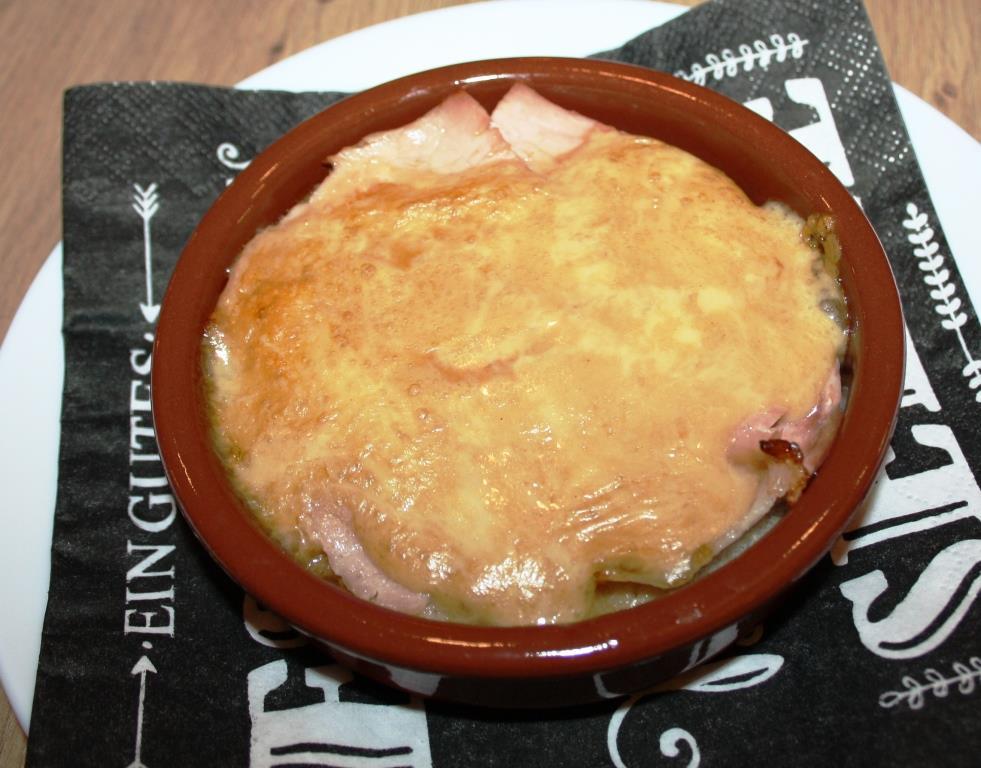 Welsch - Toast, Kochschinken überbacken mit einer Käse-Senf-Bier-Sauce